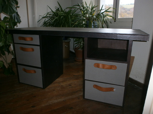 Atelier idiartia meuble en carton for Bureau lyceen